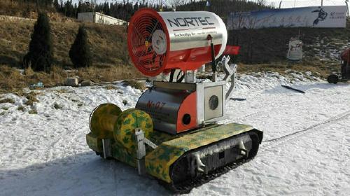 履带造雪机