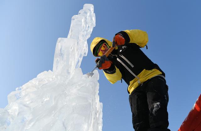 冰雕施工现场